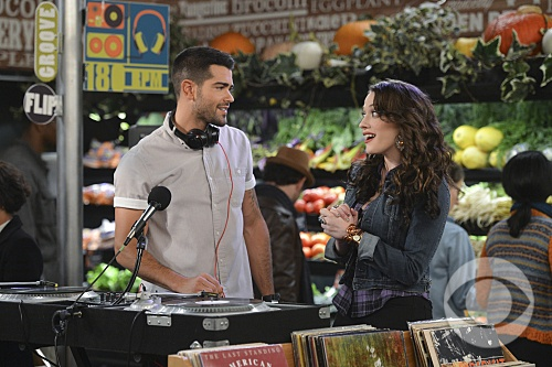 Jesse Metcalfe and Kat Dennings on 2 Broke Girls