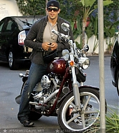 Jesse Metcalfe Candids - July 25th, 2008