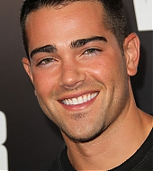 Jesse Metcalfe at Warrior Premiere