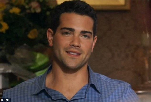 Jesse Metcalfe in Dallas (first look!)