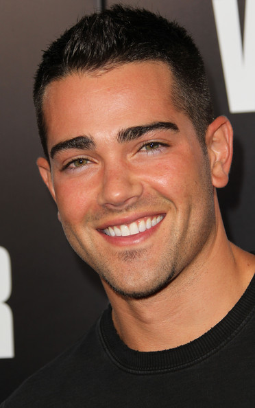 Jesse Metcalfe at Warrior Premiere in LA – Pictures